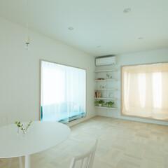 白/白い空間/ソファ/造り付けソファ/デイベッド/和室/... 【cotoiro】窓辺のソファスペースと…