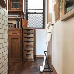 掃除機スタンド/掃除機/マキタ/DIY/インテリア/家具/... こんにちは(u‿ฺu✿ฺ) 我が家はずっ…