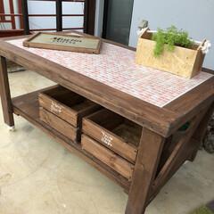ベランダガーデン/カフェ風/タイル張り/テーブルDIY/DIY/セラコアタイル/... 先日、実家のベランダに置く作業台(テーブ…