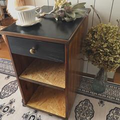 見て下さりありがとうございます♡/木工/DIY/端材DIY/廃材DIY/サイドテーブルDIY/... 父のベッドサイドテーブルを廃材で作りまし…(2枚目)