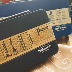 お弁当箱リメイク/ダクトテープ/おすすめアイテム/お弁当/キッチン雑貨/シンデレラフィット/... DAISOのダクトテープでダイソーのお弁…