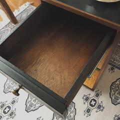 見て下さりありがとうございます♡/木工/DIY/端材DIY/廃材DIY/サイドテーブルDIY/... 父のベッドサイドテーブルを廃材で作りまし…(3枚目)