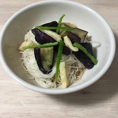 三輪素麺 一年物 I-30 50g×20束(そうめん)を使ったクチコミ「ナスを素揚げして❣️ 茹でたそうめんとピ…」