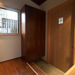 和風/和モダン/和風住宅/和モダン住宅/住宅/建築/... 「銘木の家」の玄関です。