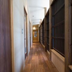 和風/和モダン/和風住宅/住まい/インテリア/建築/... 廊下/玄関と仏間を結ぶ廊下は、リビングダ…