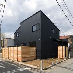 和風/和モダン/ガルバリウム鋼板/外壁/黒/塀/... 「団欒」は、外壁にガルバリウム鋼板を使用…