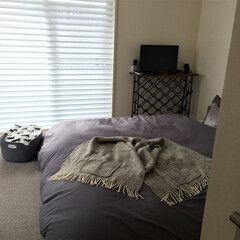 寝室/テレビ台/寝室インテリア テレビを置いている台は、かなり前に ワイ…