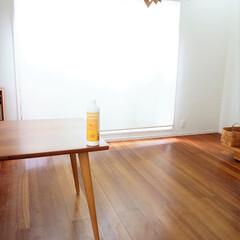無垢床/リビングダイニング/ブラックチェリー材/おうち リビングダイニングの床を念入りに掃除する…