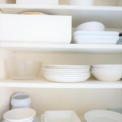 食器棚/北欧食器/イッタラ/アラビア 食器は白を中心に揃えています。 イッタラ…