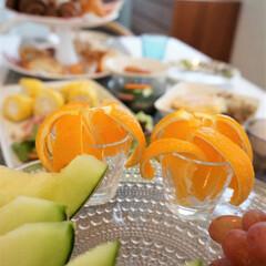 テーブル/食卓/カステヘルミ/北欧食器 ある日の食卓。 果物は、カステヘルミのケ…