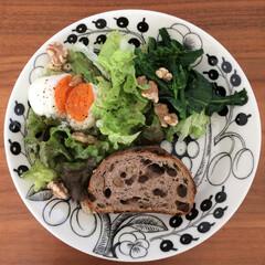 お昼ごはん/サラダプレート/パナソニック/スチームオーブン/ブラックパラティッシ スチームオーブンで作る温泉卵は、サラダプ…