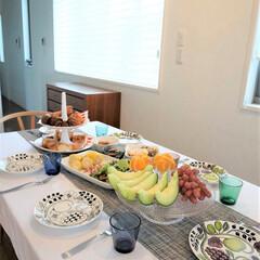 朝ご飯/おうちごはん/おうち時間/フルーツ ある日の朝ご飯。 フルーツ多めで、色々器…
