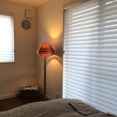 寝室/寝室インテリア/照明/北欧照明/stay home お天気の悪い日は、日中からスタンドライト…