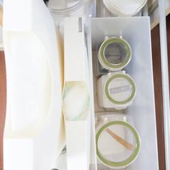 キッチン収納/インテリア/整理収納/スナップウェア/おうち キッチンのシンク脇引き出しには、ゴミ袋、…(1枚目)