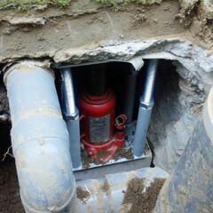 地盤/地盤沈下/家の傾き/住まい/再沈下/地盤調査/... アンダーピニング工法とは、家の下に杭を打…