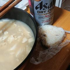 ノンアルコールビール/おにぎり/味噌汁/フォロー大歓迎/LIMIAごはんクラブ/おうちごはんクラブ 晩御飯は、味噌汁とおにぎり🍙とノンアルコ…