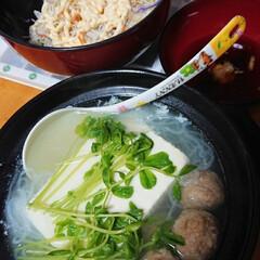 サラダ/湯豆腐/フォロー大歓迎 今日は、キャベツサラダと湯豆腐❤️