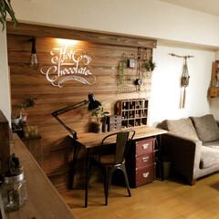 板壁/DIY/木工/セルフリノベーション/リノベーション/賃貸/... アジャスターボルトで立てた板壁のアジャス…