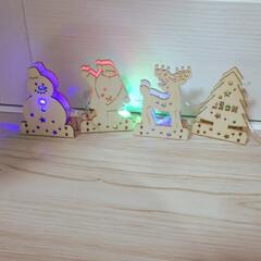 木製/ツリー/雪だるま/サンタクロース/トナカイ/イルミネーション/... ダイソー、クリスマス始まってました✨ 可…