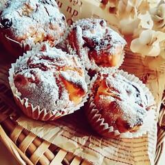 スイーツ/りんごとレーズンのケーキ/カップケーキ型/3COINS りんご🍎とレーズンのケーキを焼きました😊…