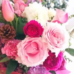 花のある暮らし/花/クリスマス2019/住まい/暮らし/結婚記念日 毎年結婚記念日に花束が届きます❁⃘*.゚…