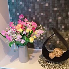花瓶/誕生日/花束/お花/インテリア/玄関 誕生日に母から花束が届いたので、玄関に飾…