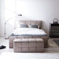 ベッド/ベッドフレーム/ベッドルーム/寝室/ファブリック/ゴージャス/... ボリューミーでゴージャスなベッドフレーム…