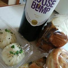 イタリアワイン/グルメ/フード/ハンドメイド 焼き立てパンが入ったとお店からラインがき…(1枚目)