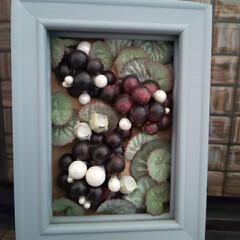 ハンドメイド/雑貨/インテリア/アートフレーム/造花/アーティフィシャル/... 葡萄とレトロな葉です フレームのグレーが…