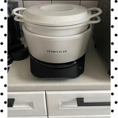 東洋セラミックス 有田焼 セラミックおひつ 一膳 花うさぎ(飯碗)を使ったクチコミ「ウチの炊飯器は、とても美味しくご飯🍚炊け…」(3枚目)