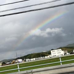 虹/自然/発見/おでかけ/暮らし 急な雨のあと…。ふっと見たら、虹が出てま…