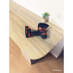 ブラックアンドデッカー/サンダー/ジグソー/角を削る/角を丸く/危ない/... リビングに 学習テーブルと言うか 作業台…
