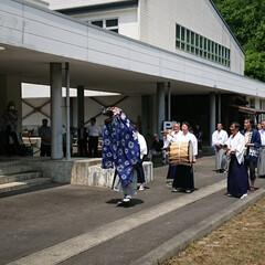 山伏/神楽/祈願/郷土芸能 オープンを祝して祓い祈祷する神楽衆 40…