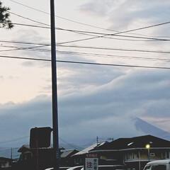雪化粧/気温/山/初冠雪 昨日10/13、近所の山が初冠雪との噂。…