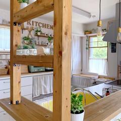 キッチンと暮らす。/グリーンのある暮らし/キッチンカウンター/キッチンカウンターDIY/カフェ風キッチン/カフェ風雑貨/... キッチンカウンターのアップですみません^…