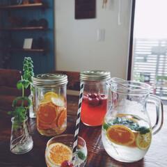 保存瓶/ピッチャー/ドリンク/オレンジシロップ/イチゴシロップ/シロップ漬け/... デトックスウォーター作りました! 余った…