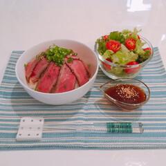 自家製タレ/ローストビーフ丼/おうちごはん 今日の夜ご飯はローストビーフ丼です。 昨…