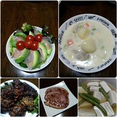 高野豆腐の含め煮/ハムステーキ/ひじきとすり身のさつま揚げ/シチュー/ピーターラビットのお皿にサラダ盛付け/おうちごはん  おはようございます☺️   先日、ダイ…