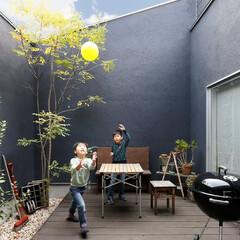 インナーガーデン/ウッドデッキ/兄弟/子供/アウトドアグッズ/植栽/... . ~ボール遊びだってできちゃう  広々…