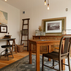 アンティーク家具/照明/無垢材/絵画/ポスター/ナチュラル/... . ~アンティーク調の家具や  ナチュラ…