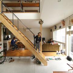 土間/リビング/ダイニング/階段/窓/観葉植物/... . ~暮らしをタノシム家は  子供たちの…