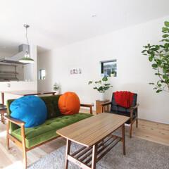自然素材/無垢材/無垢杉の床/漆喰の壁/白い壁/W断熱の家/... . ~シンプルな家具で統一して  すっき…