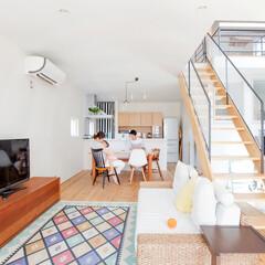 自然素材/無垢材/無垢杉の床/漆喰の壁/白い壁/土間のある家/... . ~真っ白な天井と壁にナチュラルカラー…