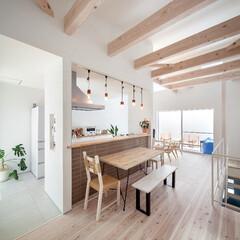 自然素材/無垢材/無垢杉の床/漆喰の壁/白い壁/W断熱の家/... . ~両サイドのバルコニーから  たくさ…(1枚目)