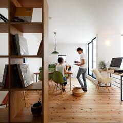 自然素材/無垢材/無垢杉の床/漆喰の壁/白い壁/W断熱の家/... . ~たくさんの明るい光が射し込む  開…