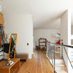 自然素材/無垢材/無垢杉の床/漆喰の壁/白い壁/土間のある家/... . ~キッズスペース、ファミリークローゼ…