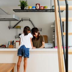 親子/対面キッチン/ダイニング/雑貨/おしゃれな雑貨/階段/... . ~対面キッチンなら  ダイニングから…