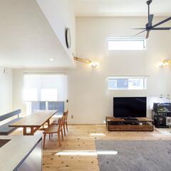 自然素材/無垢材/無垢杉の床/漆喰の壁/白い壁/W断熱の家/... . ~光と風を採り込む工夫が詰まった  …