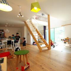 リビングダイニング/家族/夫婦/子供/無垢材/階段/... . ~大空間のリビングダイニングで  家…