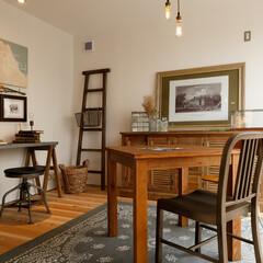 自然素材/無垢材/無垢杉の床/漆喰の壁/白い壁/W断熱/... . ~大好きなアンティーク家具で彩った …